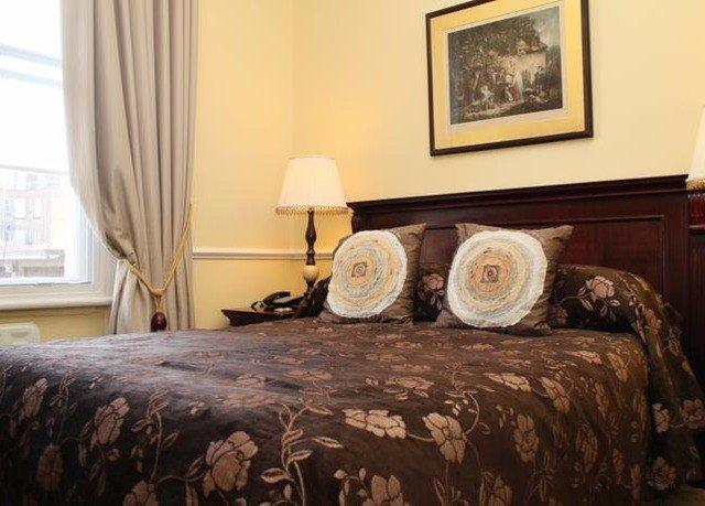 sofa Bedroom property cottage bed sheet Suite