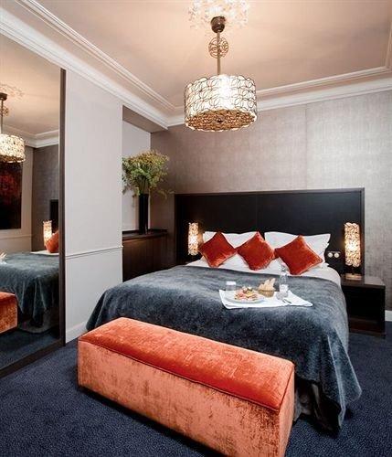 Bedroom property living room scene hardwood home bed sheet Suite cottage