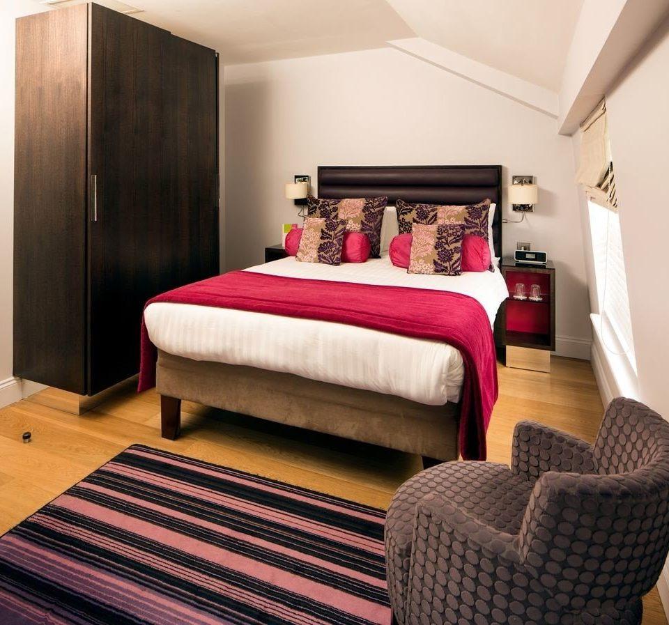 Suite Bedroom red hardwood cottage living room bed sheet