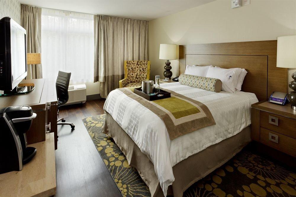 Bedroom property Suite cottage home living room bed sheet