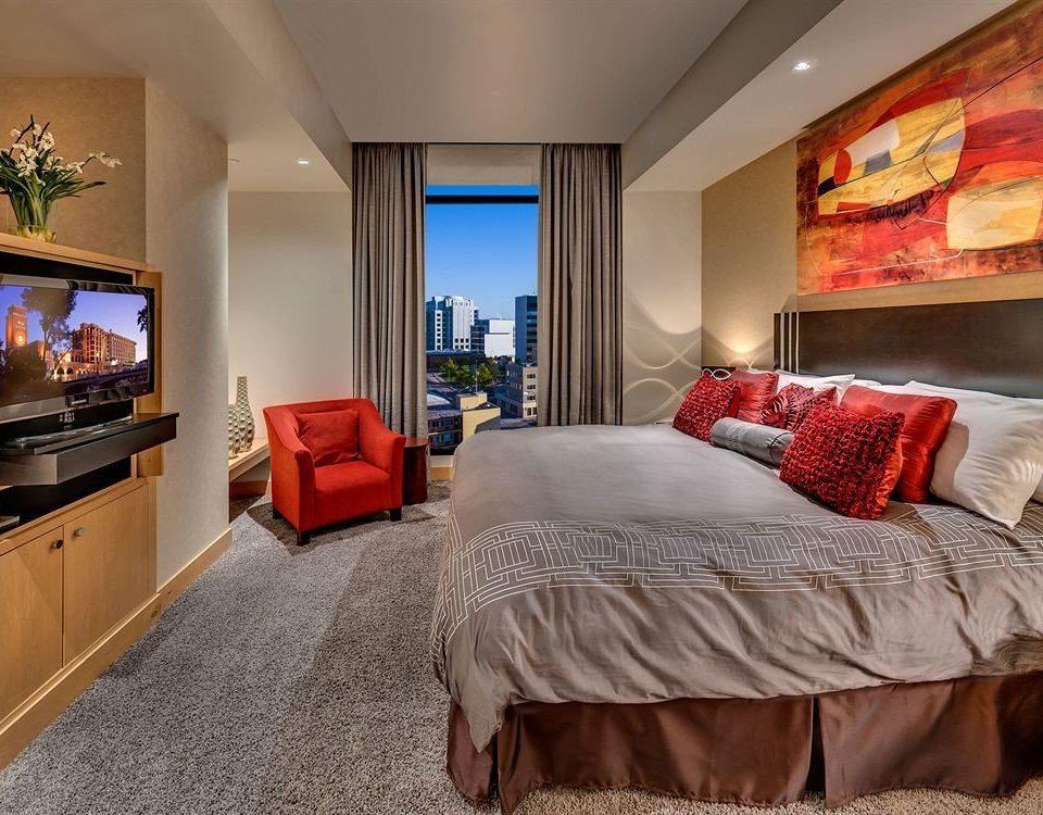 property Bedroom Suite living room home hardwood cottage bed sheet flat