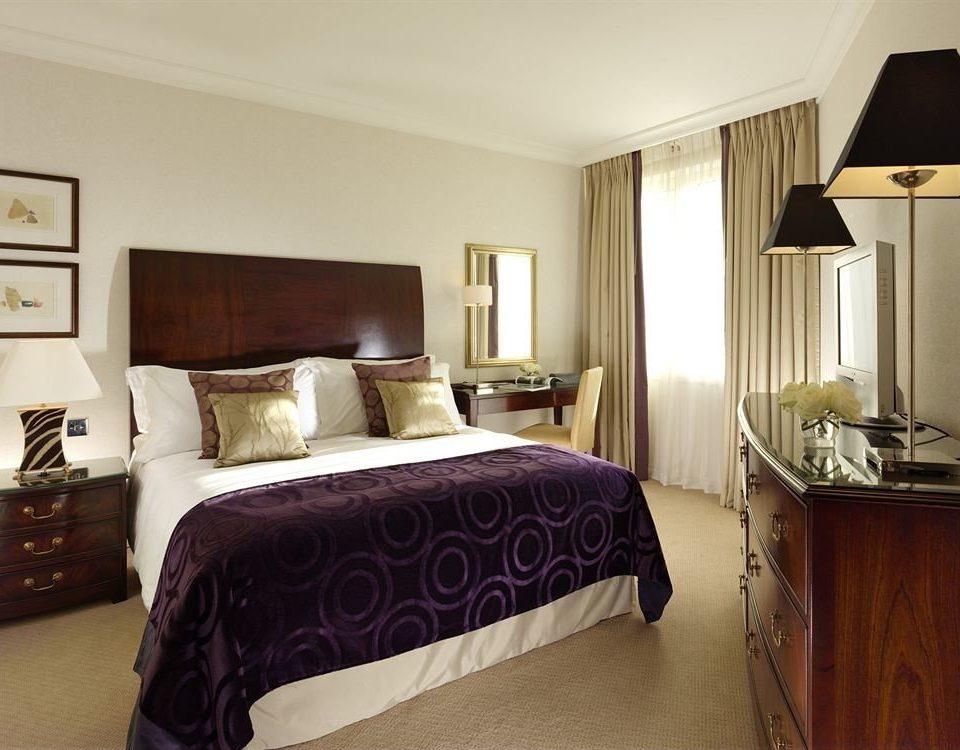 Bedroom property Suite home cottage hardwood bed sheet