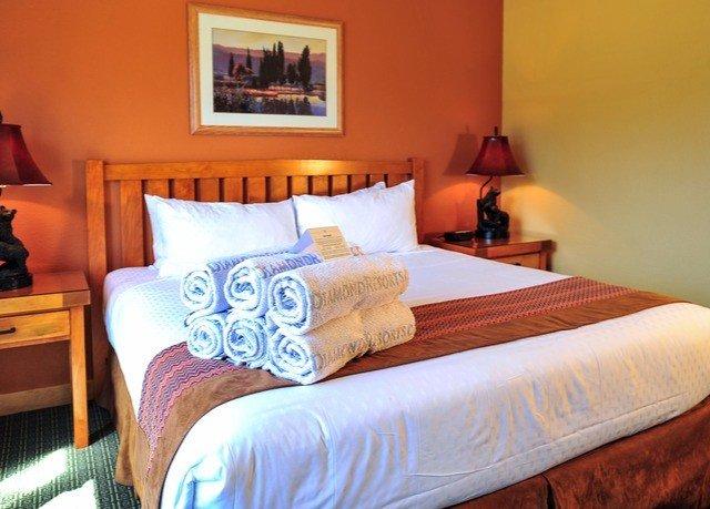 property Bedroom cottage Suite bed sheet orange