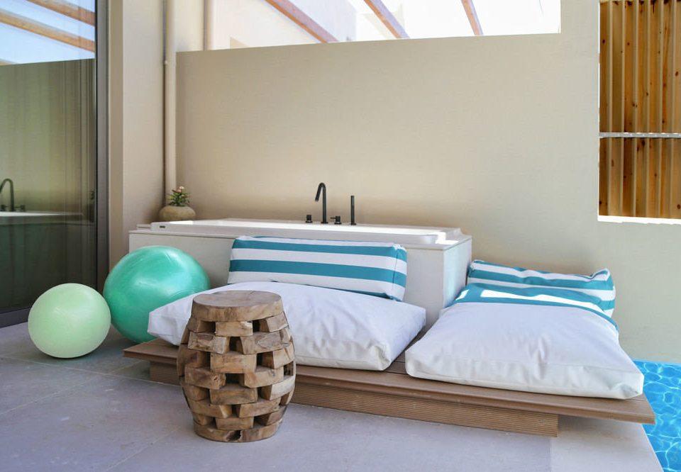 property Bedroom living room bed sheet cottage Suite