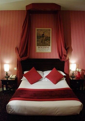red Bedroom curtain Suite bed sheet textile