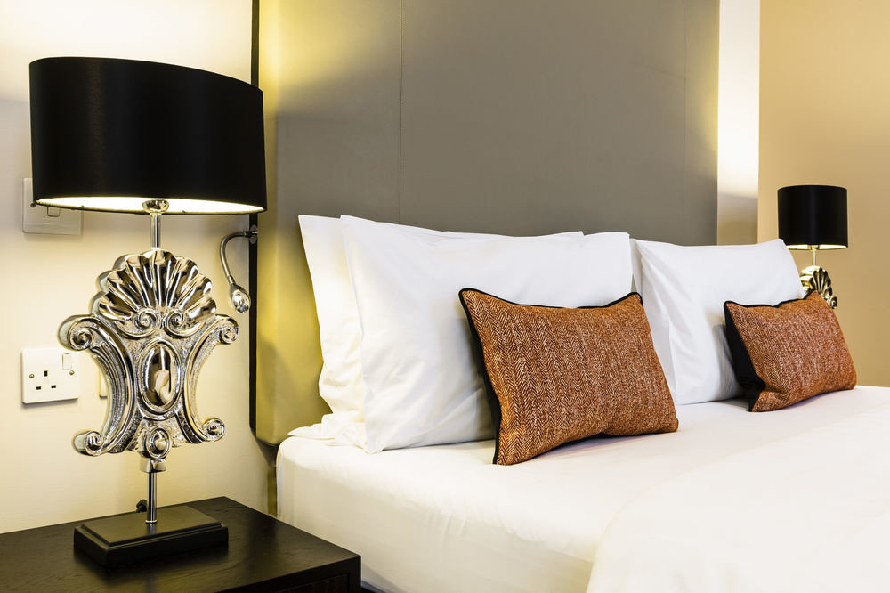 sofa Suite Bedroom bed sheet lamp flat