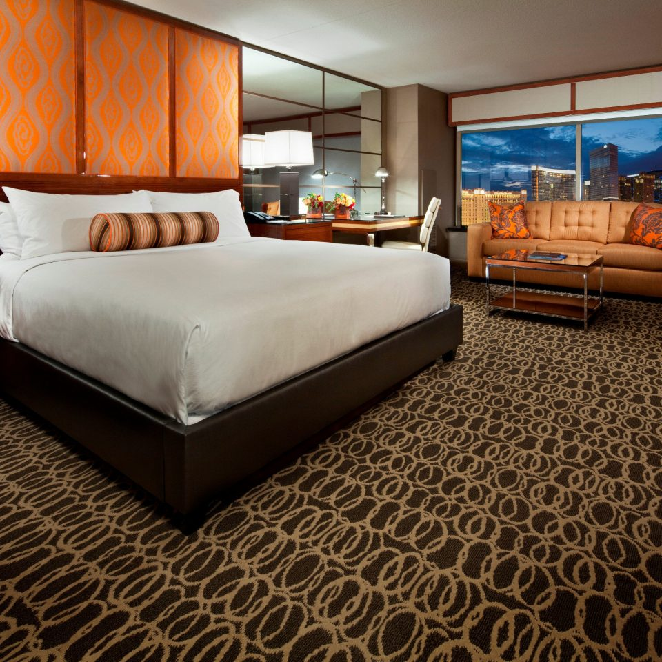 property Suite living room vehicle yacht flooring Bedroom bed sheet