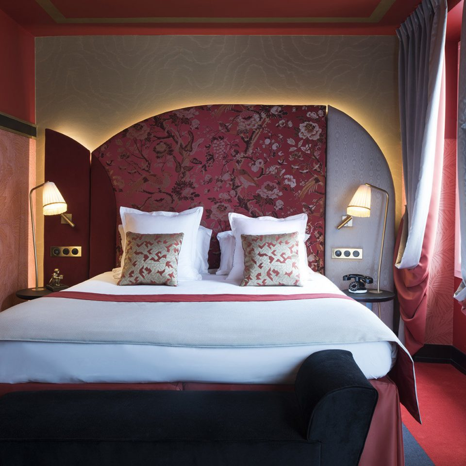 red Suite Bedroom home bed sheet