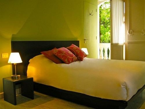 property Bedroom Suite bed sheet lamp