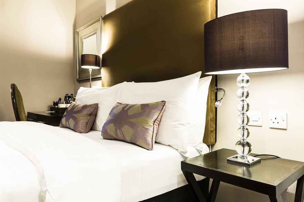 property Bedroom Suite lamp bed sheet living room