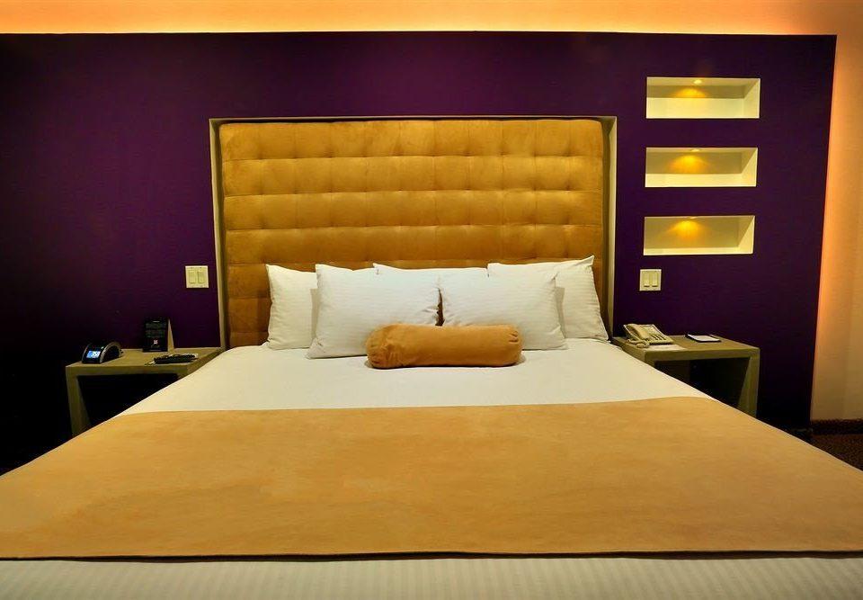 Suite Bedroom wooden bed sheet pillow