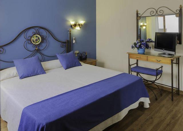 property Bedroom bed sheet Suite
