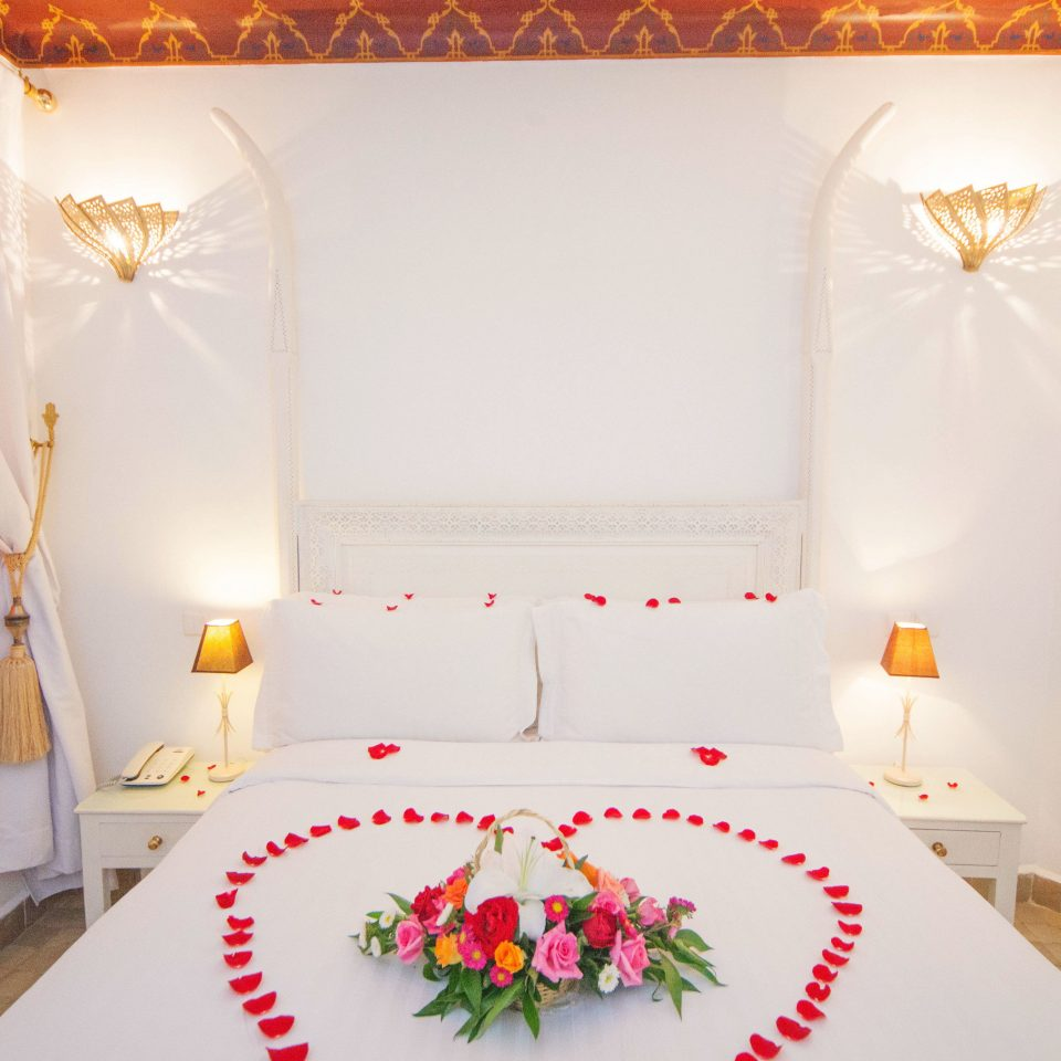property Suite Bedroom cottage bedclothes