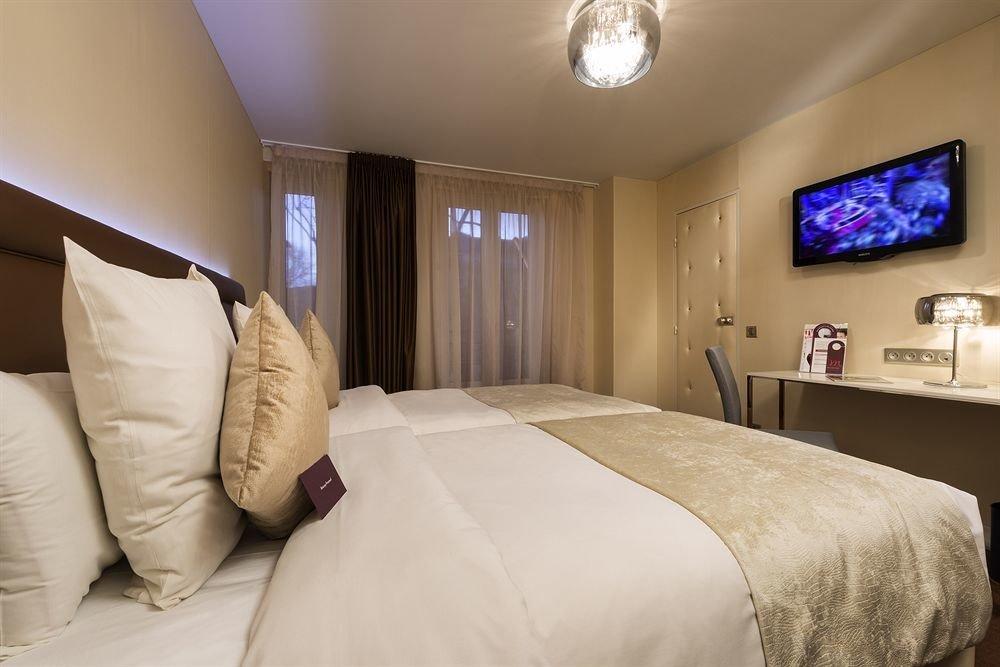 sofa property Bedroom Suite pillow cottage bedclothes