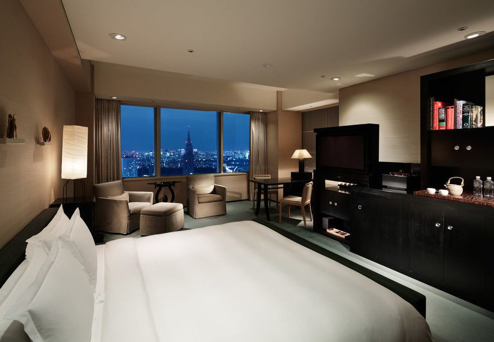large property Suite home living room condominium big flat Bedroom