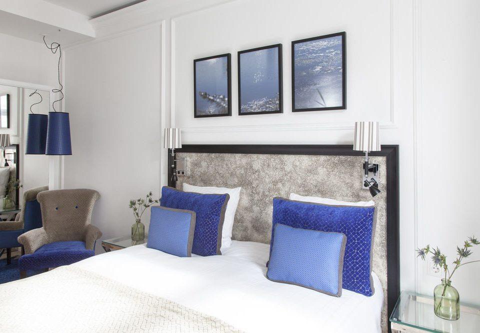 blue property Bedroom Suite living room cottage home condominium