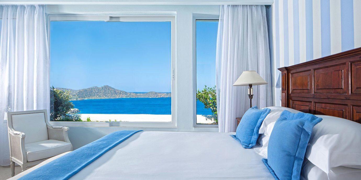 blue property Bedroom Suite pillow living room cottage