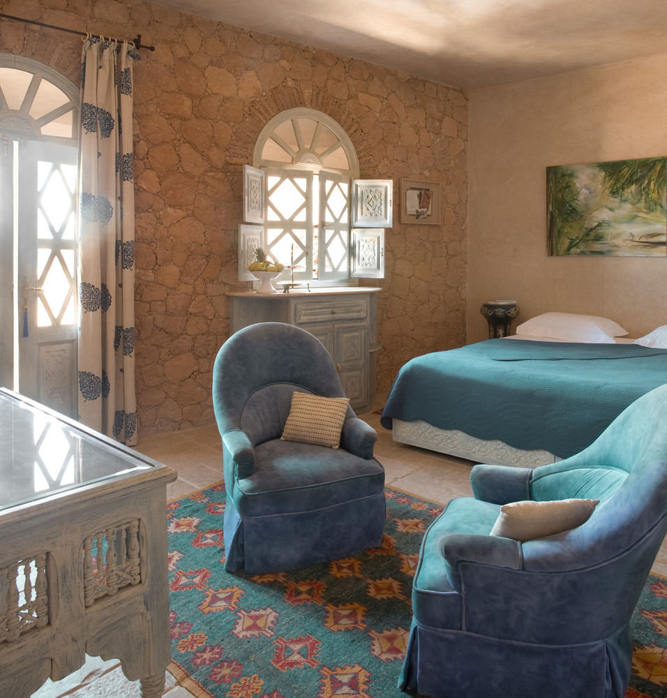 property living room home house cottage blue Bedroom farmhouse Suite