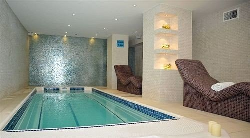 swimming pool property jacuzzi Suite Bedroom cottage blue