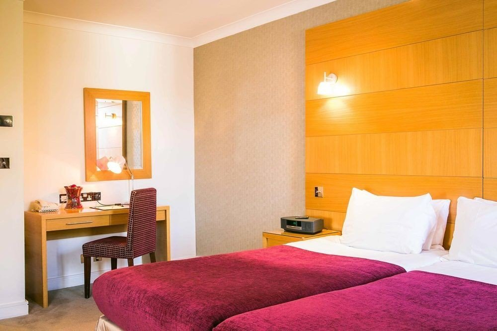 property Suite Bedroom cottage bright