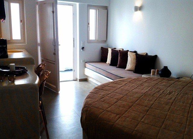 property building Suite cottage hardwood home Bedroom lamp