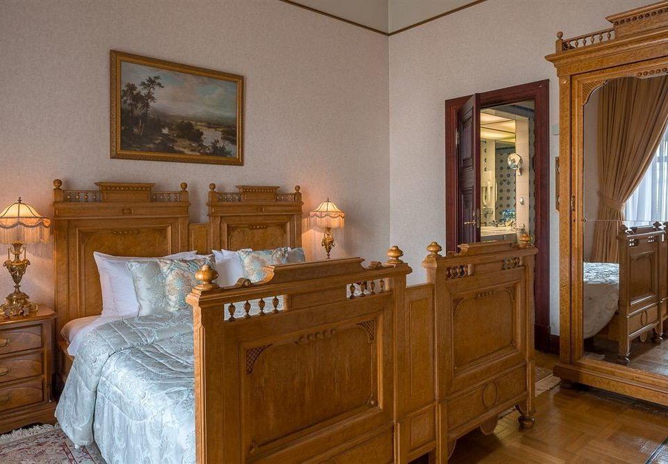 property home Bedroom hardwood living room cabinetry cottage wooden wood flooring mansion farmhouse Suite