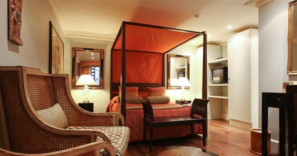 chair property Suite living room Bedroom home cottage condominium mansion