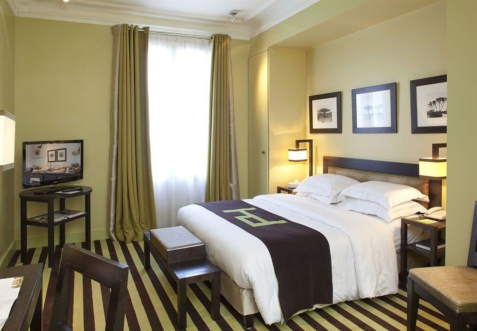 Bedroom property chair Suite cottage condominium