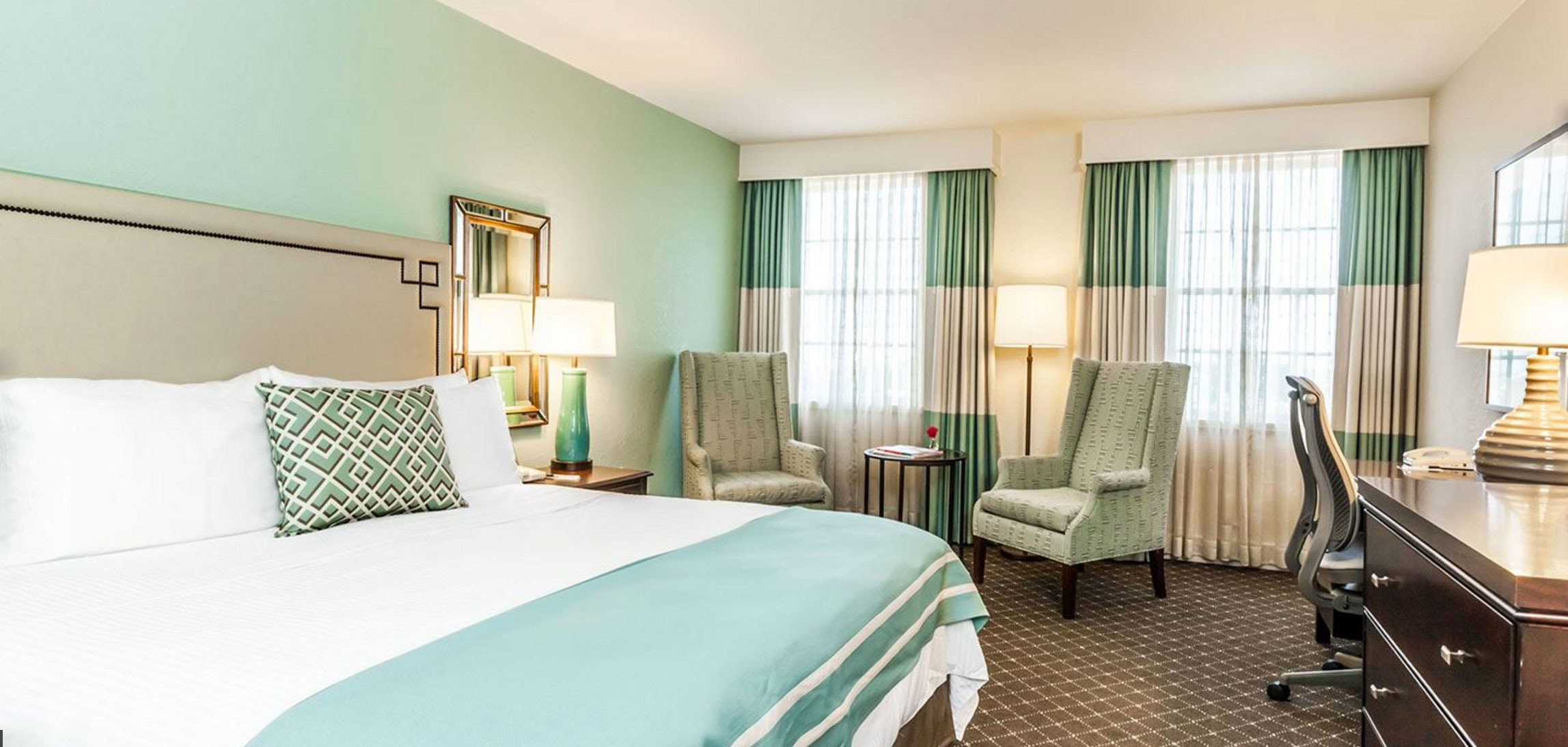 green chair property Bedroom Suite condominium cottage containing