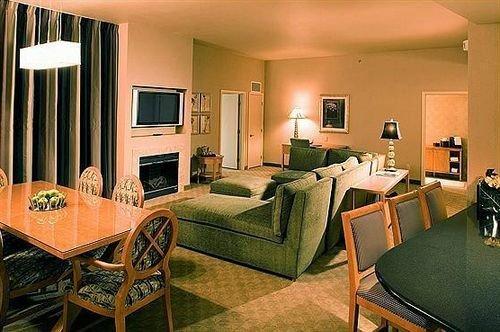 chair property Suite cottage living room recreation room condominium Bedroom