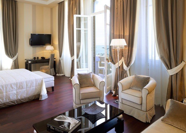 chair property Suite curtain living room cottage Bedroom condominium