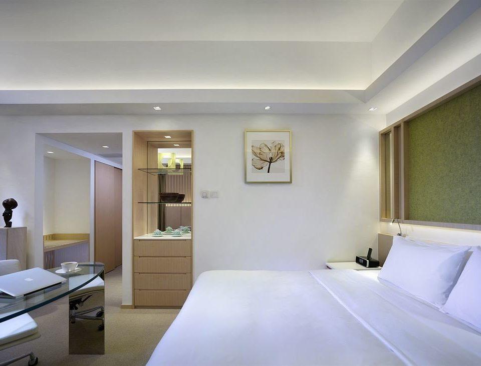 property Bedroom condominium daylighting living room Suite clean
