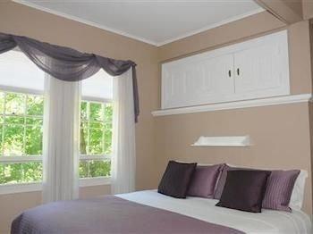 property Bedroom cottage Suite clean