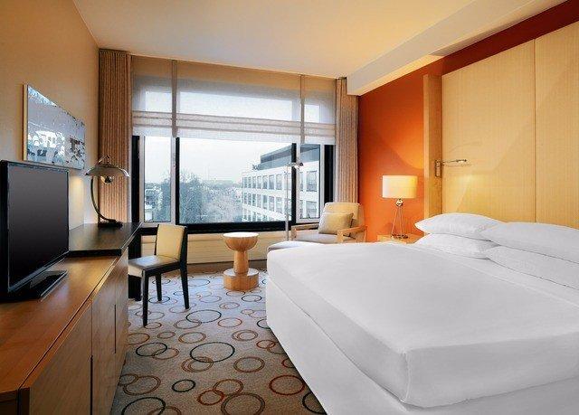 Suite Bedroom interior designer comfort