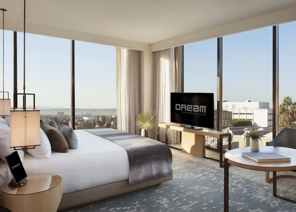 sofa property living room condominium home Suite Bedroom containing