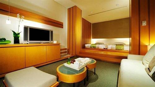 property Suite condominium yellow cottage Bedroom