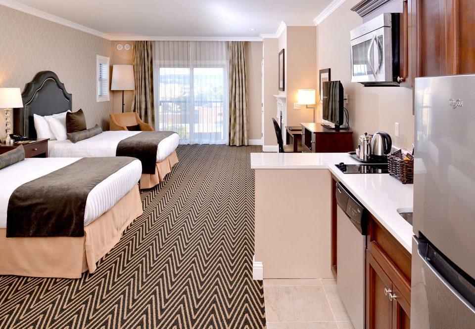property Suite home cottage hardwood Bedroom condominium