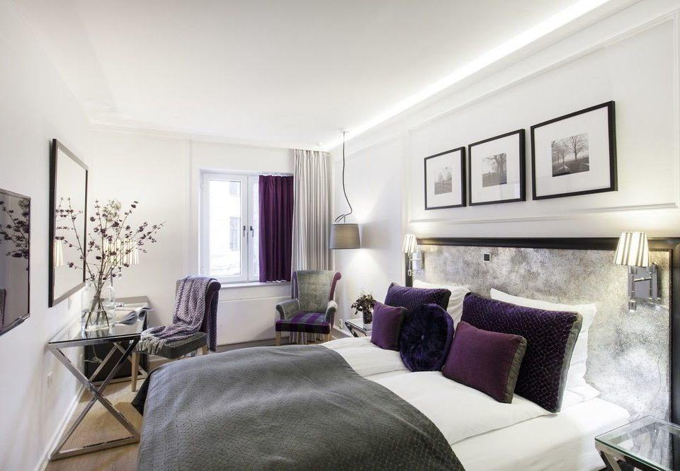 sofa property living room Bedroom home Suite condominium cottage pillow
