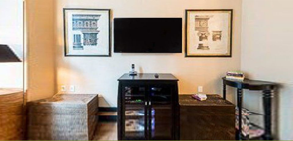property cottage home Suite condominium Bedroom