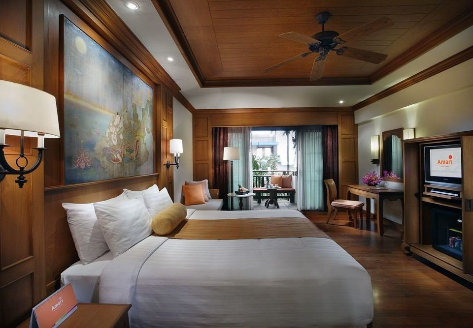 property living room Suite home Bedroom condominium cottage mansion recreation room