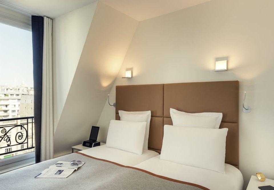 property Bedroom Suite cottage condominium tan