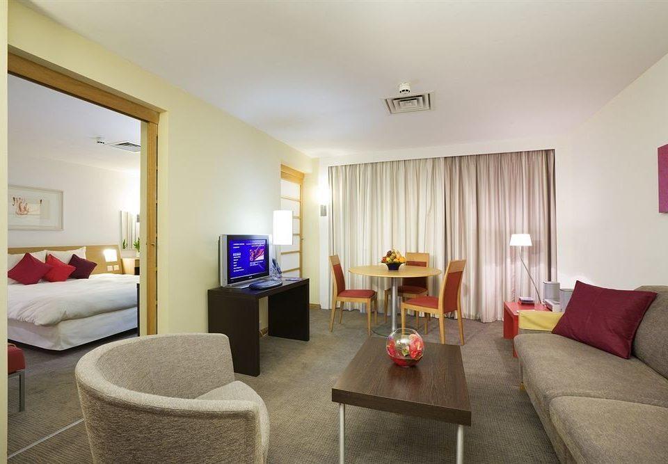 sofa property Suite living room condominium cottage Bedroom flat