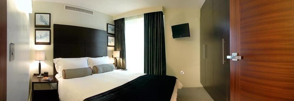 property Suite scene Bedroom cottage condominium