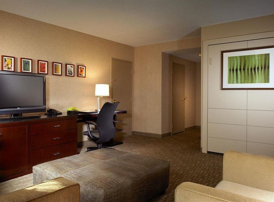 property Bedroom home living room cottage hardwood condominium Suite flat
