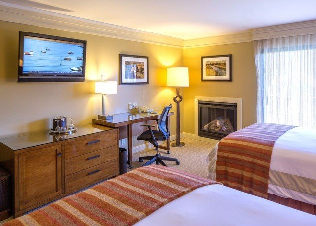 property Suite cottage Bedroom home hardwood condominium flat