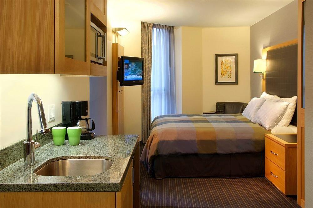 property Suite Bedroom cottage home condominium