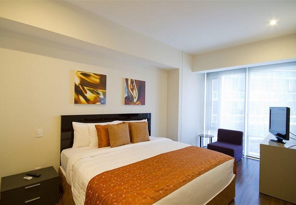 Bedroom property Suite scene condominium cottage