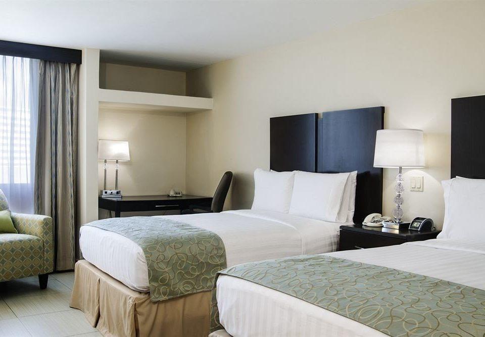 sofa Bedroom property Suite scene pillow cottage condominium