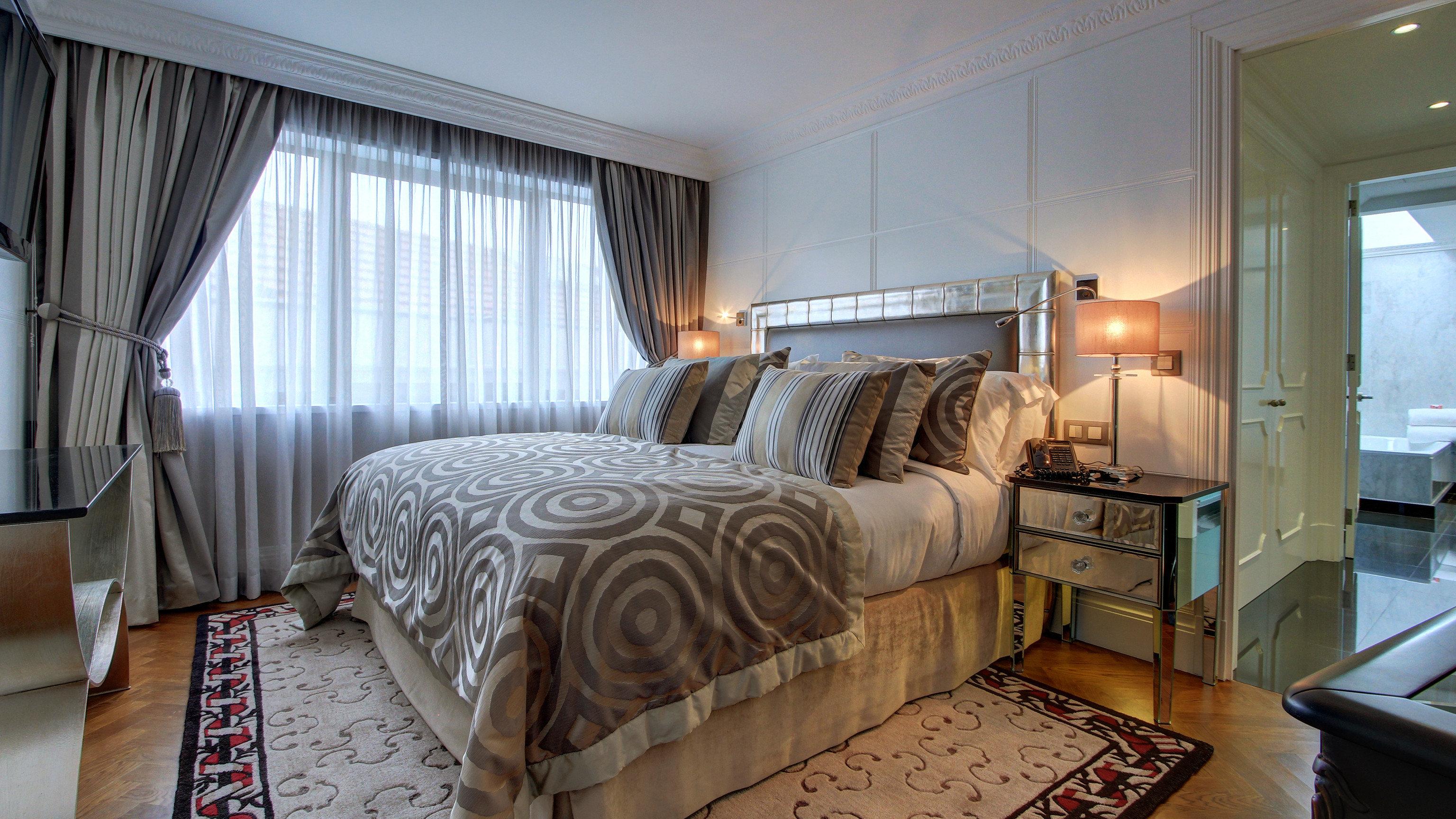 sofa property Bedroom home living room condominium cottage Suite