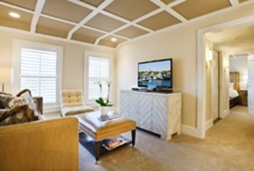 property living room cottage Suite Bedroom condominium